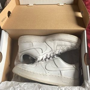 White Air Force 1 Low Top Size 6